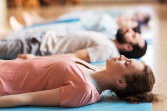 shutterstock-yoga-nidra-klein